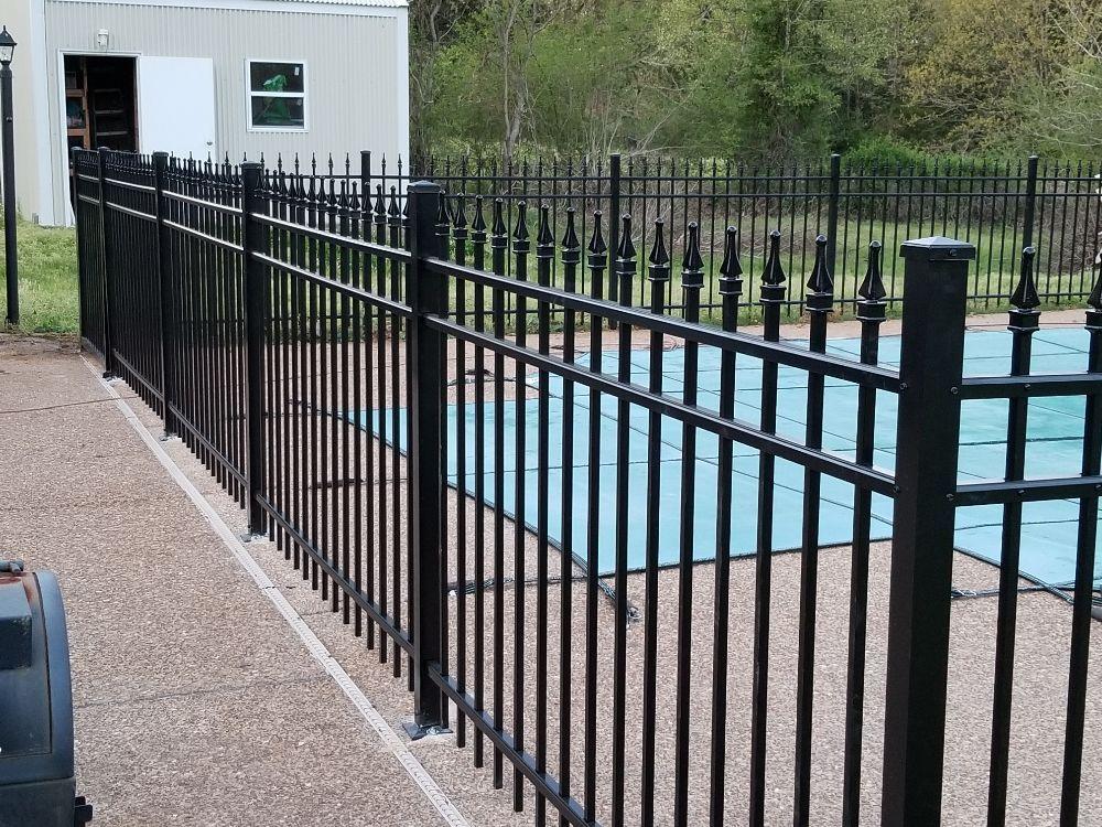 Delta Fencing and Repairs: Walls, MS