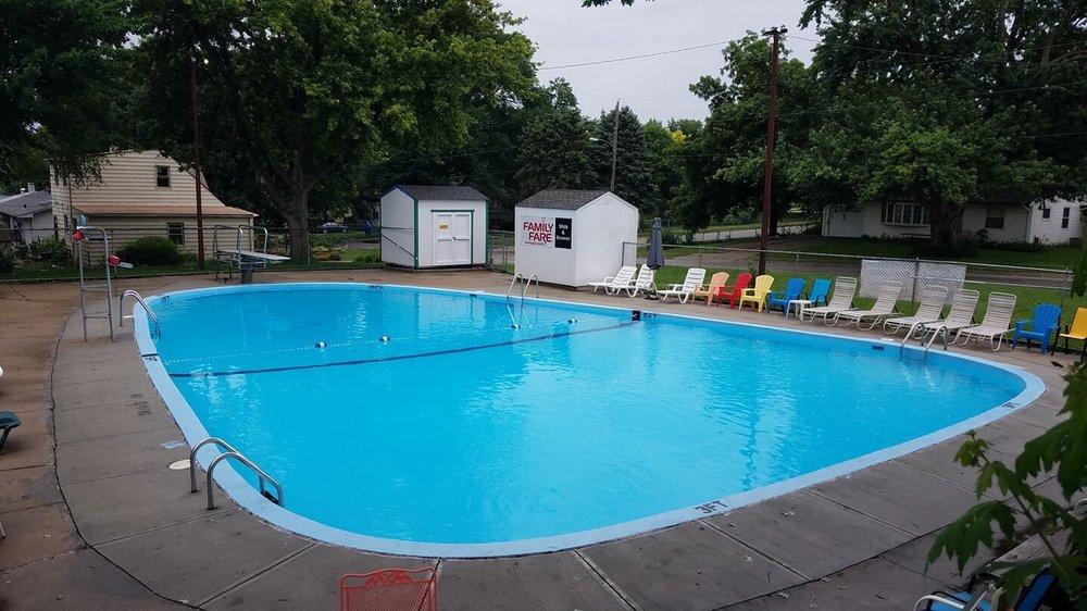 Robin Hill Pool: 4855 Valley St, Omaha, NE