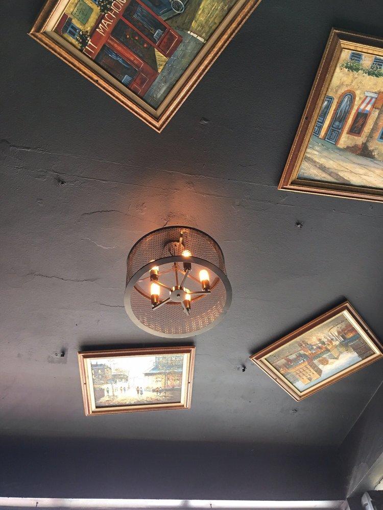 Café Victoria: Calle José de Diego 16, Cidra, PR