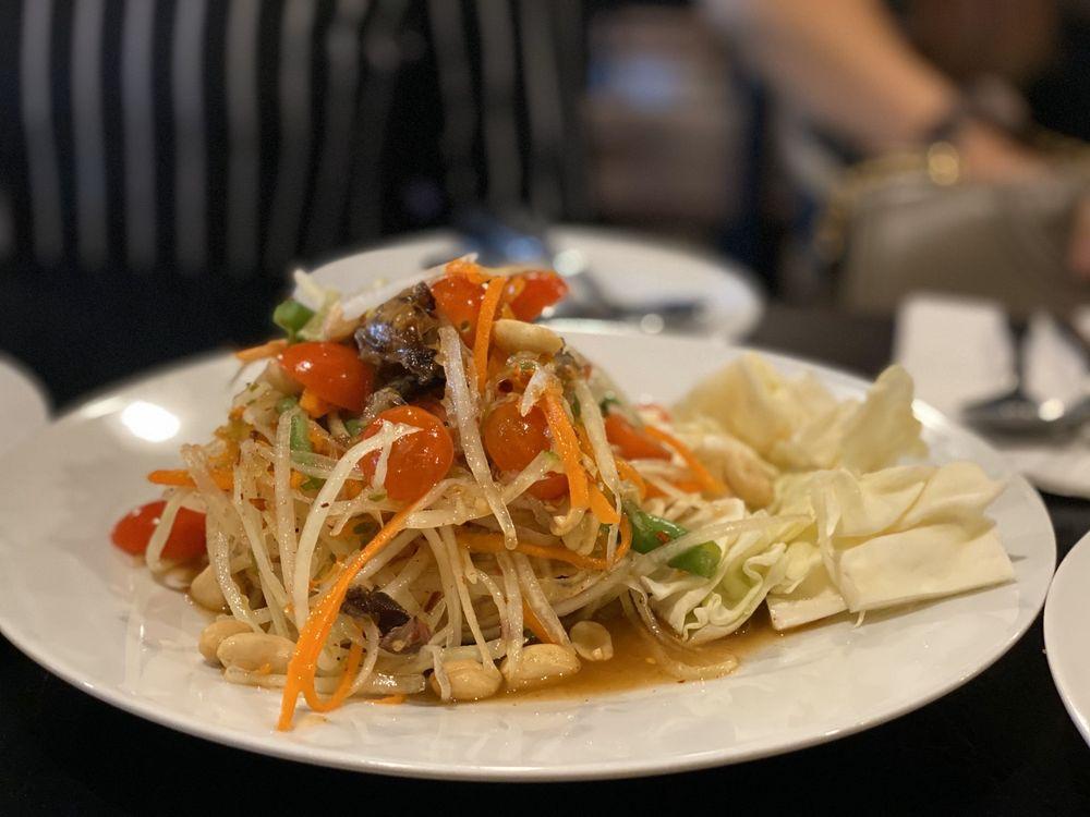 Kao Thai Kitchen: 7199 66th St N, Pinellas Park, FL