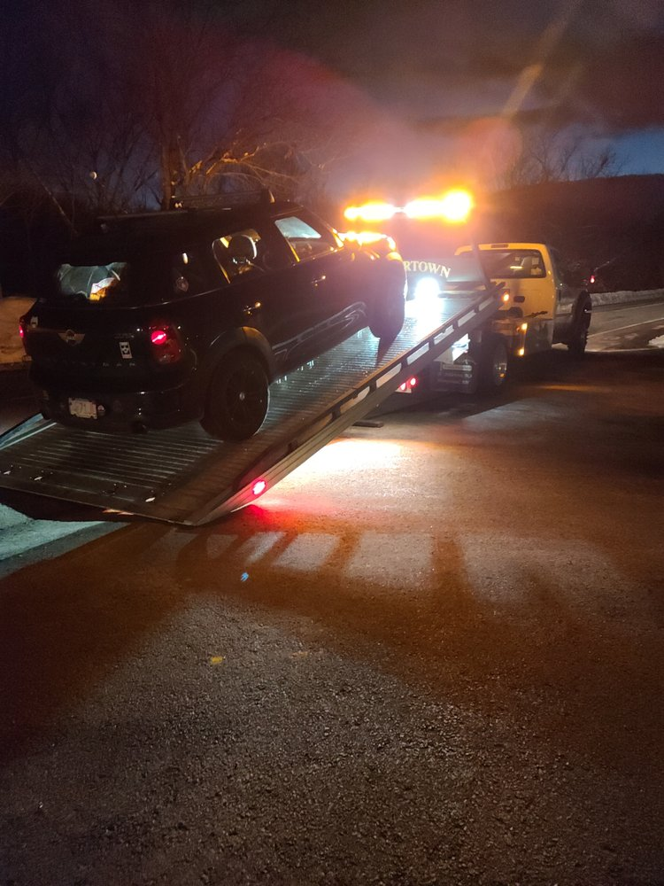 Towing business in Watertown Town, MA