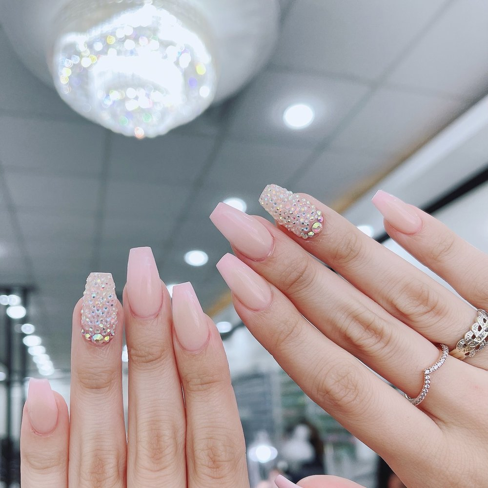 Tati Nails: 525 Quince Orchard Rd, Gaithersburg, MD