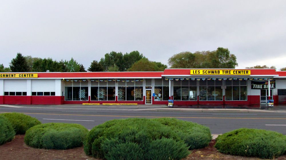 Les Schwab Tire Center: 179 Hines Blvd, Burns, OR
