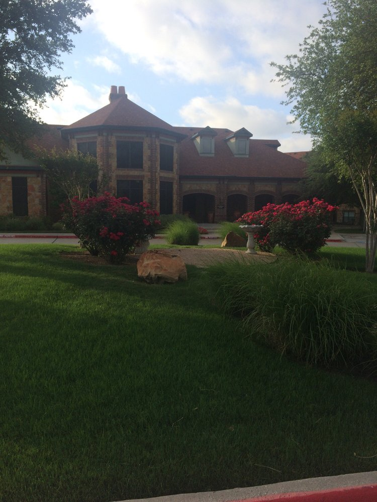 Victorian Quarters At Team Ranch: 8889 Cook Ranch Rd, Benbrook, TX