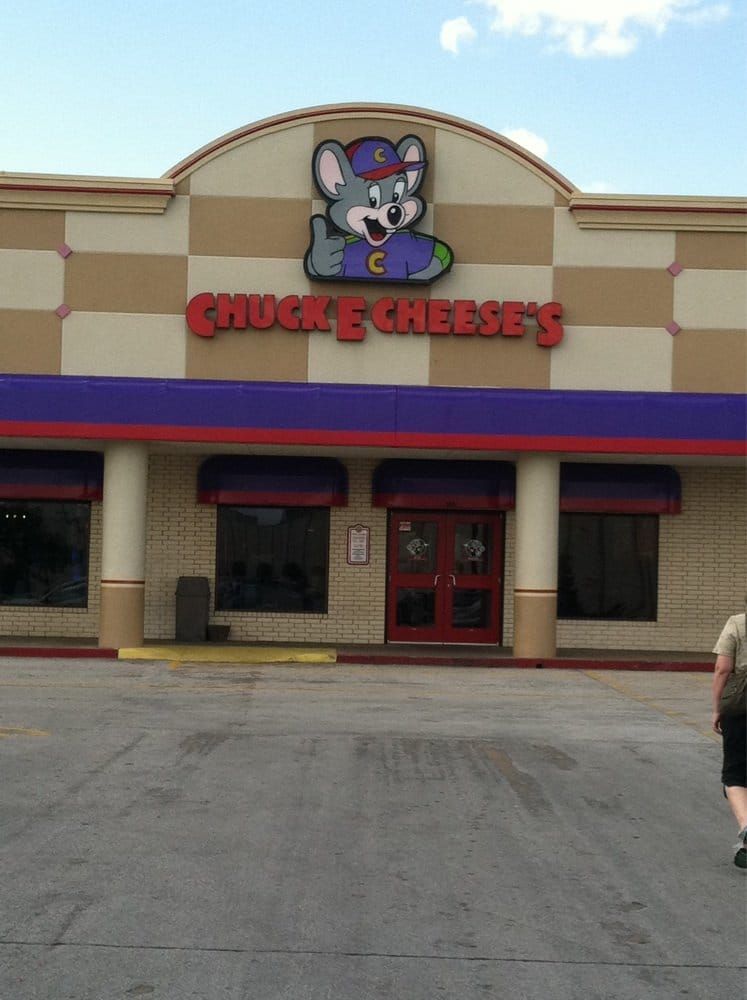 Chuck E. Cheese's Hours. Founded 39 years ago, Chuck E Cheese's is an American chain of family entertainment centers and restaurants that cater to special occasions and celebrations such as birthdays, group events, fund-raising activities.