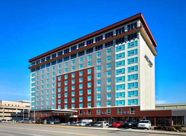 Four Points by Sheraton Charleston: 600 Kanawha Blvd E, Charleston, WV