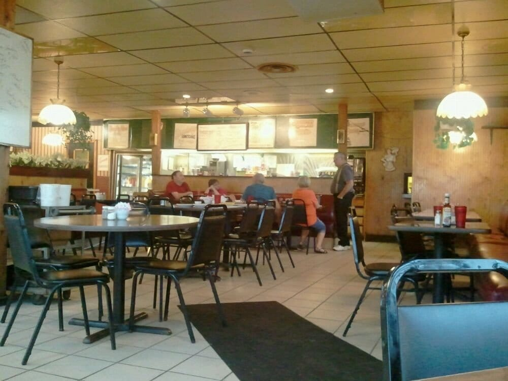 7 & 14 Family Restaurant: 44952 State Route 14, Columbiana, OH