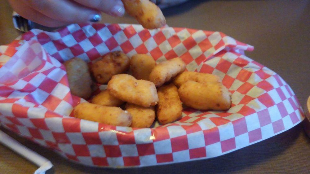 Chandler's Burger Bistro: 6135 Cleves Warsaw Pike, Cincinnati, OH