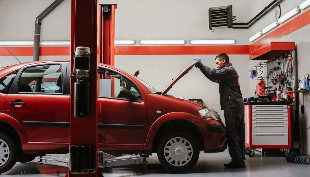 Collision Experts: 1817 5th Ave, North Fargo, ND