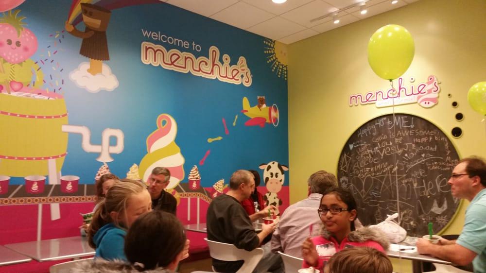 Menchie's Frozen Yogurt: 353 S Cedar Crest Blvd, Allentown, PA