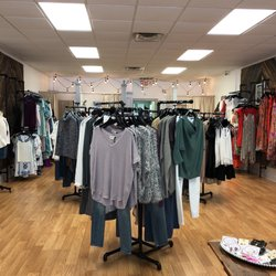 92db12c0c8 Traveling Chic Boutique - Women s Clothing - 122 N Main St ...