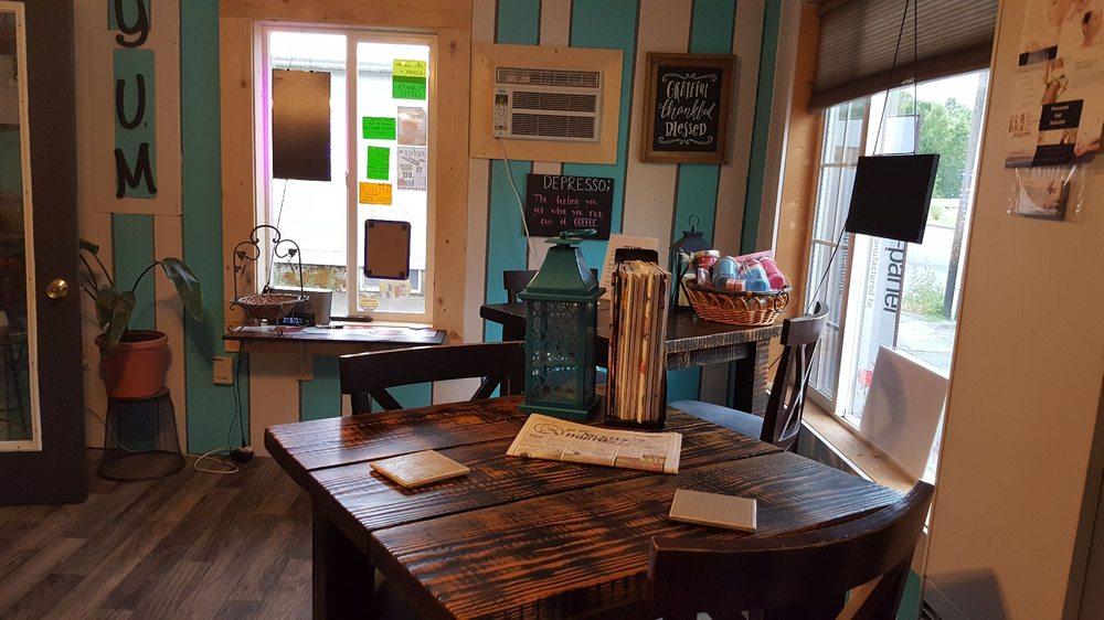 Colour Me Coffee: 905 N Division St, Pinehurst, ID