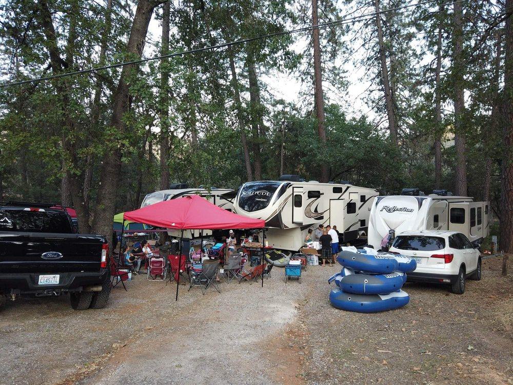 Lakeshore Villa RV Park: 20672 Lakeshore Dr, Lakehead, CA