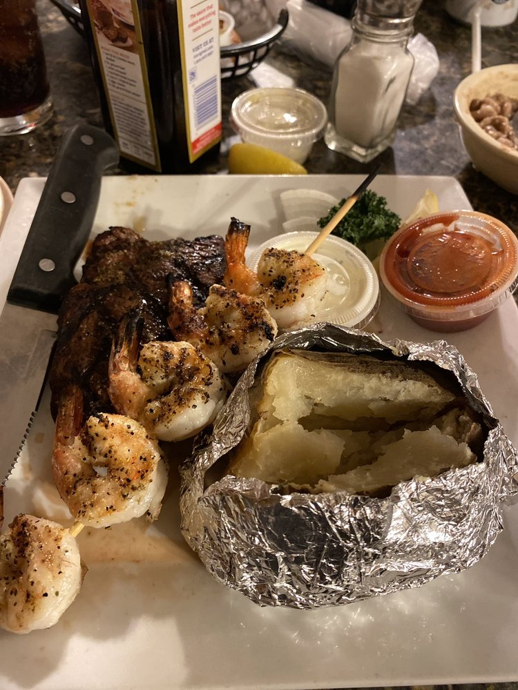 Fish Net Family Restaurant: 5000 Valley St, Caddo Valley, AR