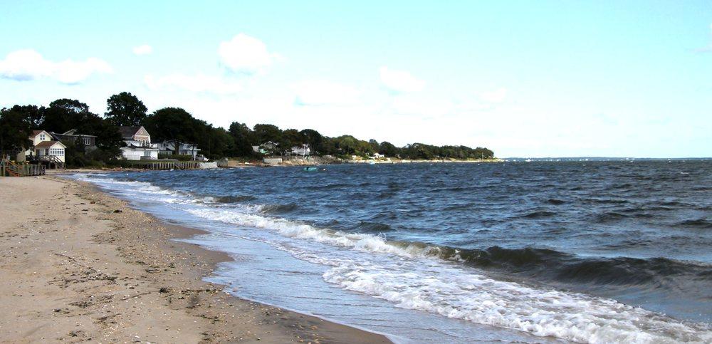 South Jamesport Beach: 43 Poe Ln, Riverhead, NY