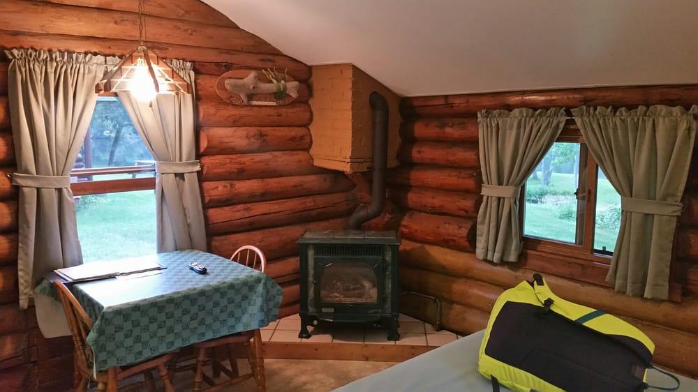 Edgewater Resort Country Log Cabins: N4128 N US Highway 2, Iron Mountain, MI