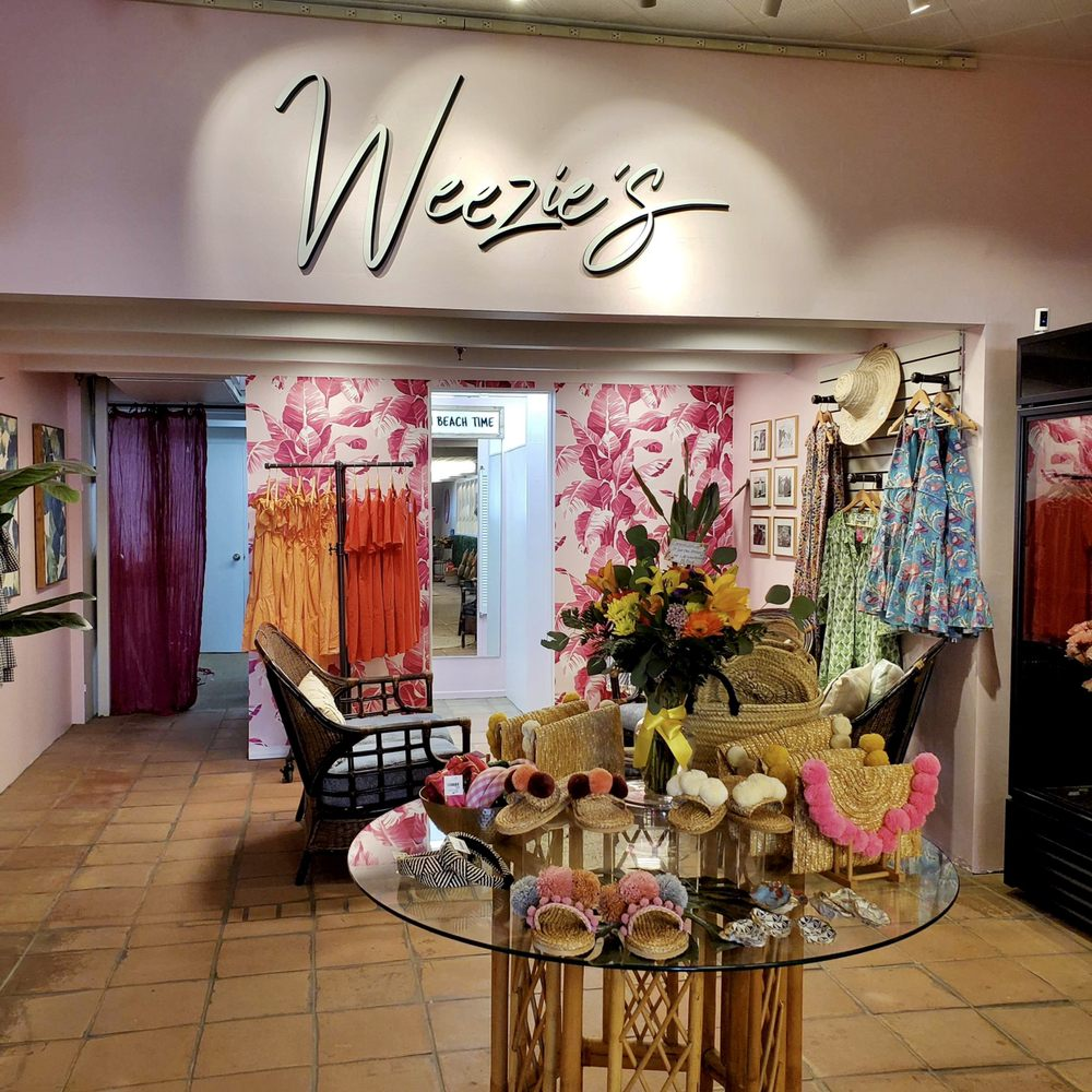Weezie's: 415 Crescent Ave, Avalon, CA