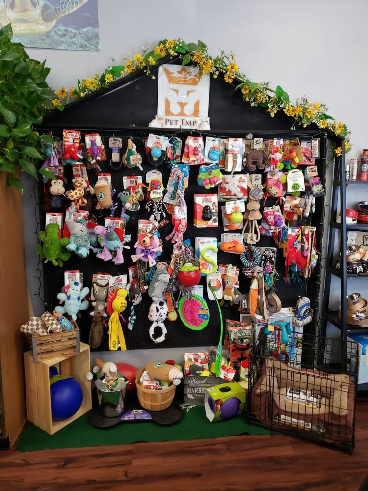 Pet Empire & Supplies: 7223 Church St, Highland, CA