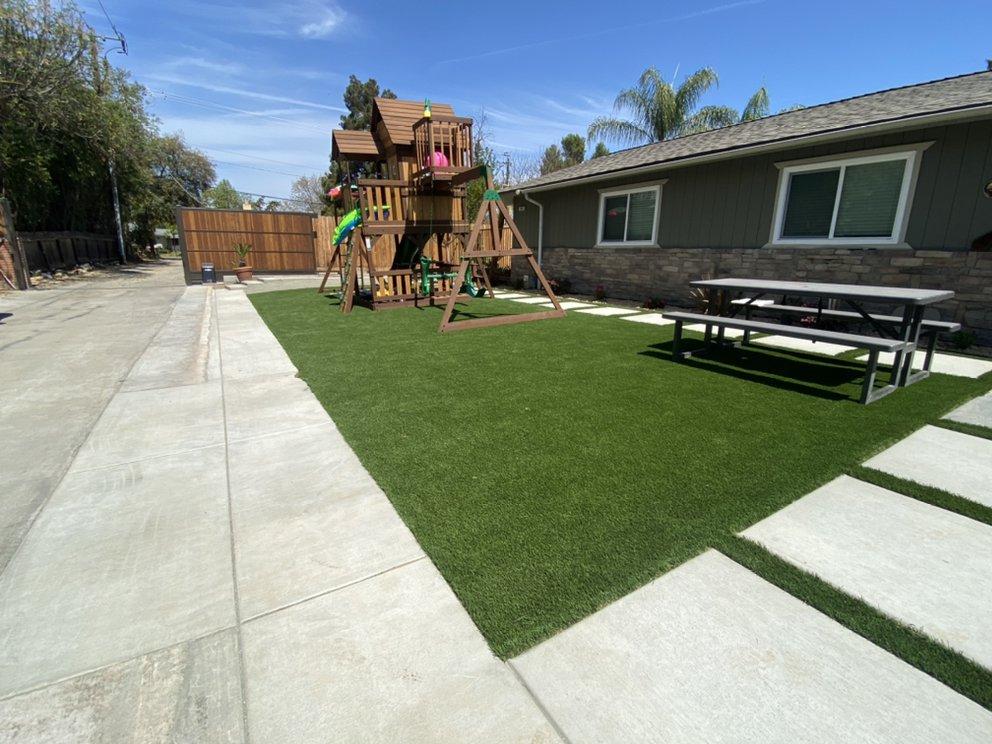 Picture Perfect Lawn: 547 W Gettysburg Ave, Fresno, CA