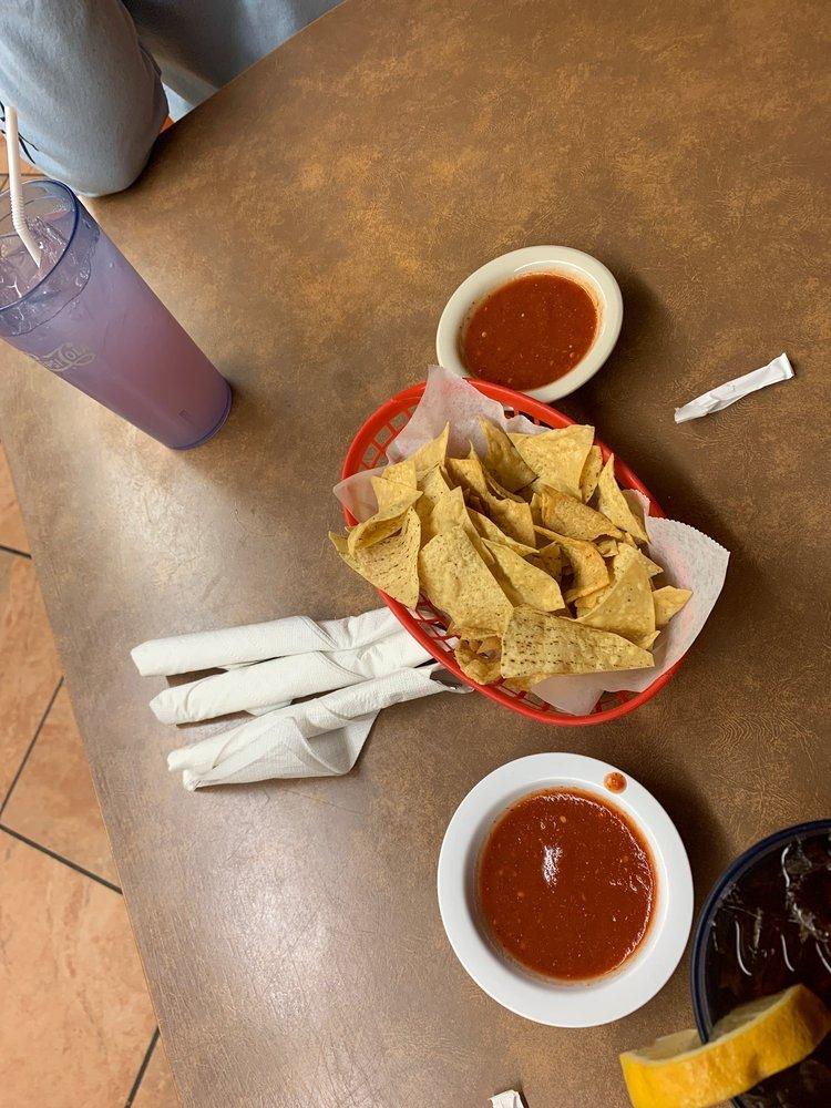 El Rancho Restaurant & Motel: 867 Navajo Blvd, Holbrook, AZ