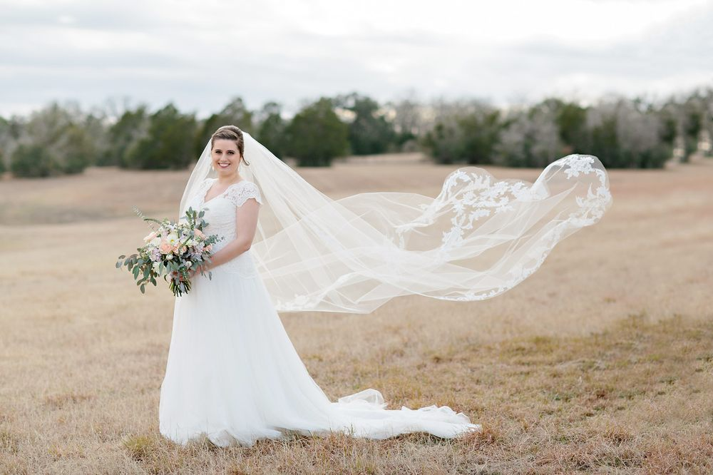 The Bridal Rail: 102 South Lavaca Dr, Moulton, TX