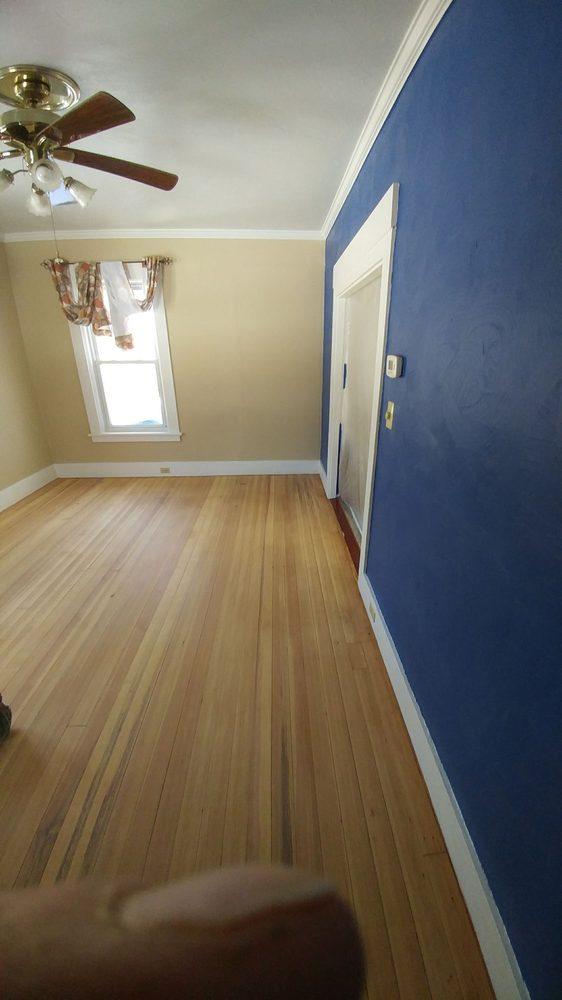Dias Hardwood Floors: 38 Twichell St, Athol, MA