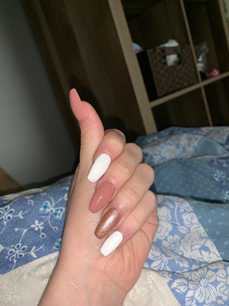 Pretty Nails: 302 S 25th St, Fort Dodge, IA