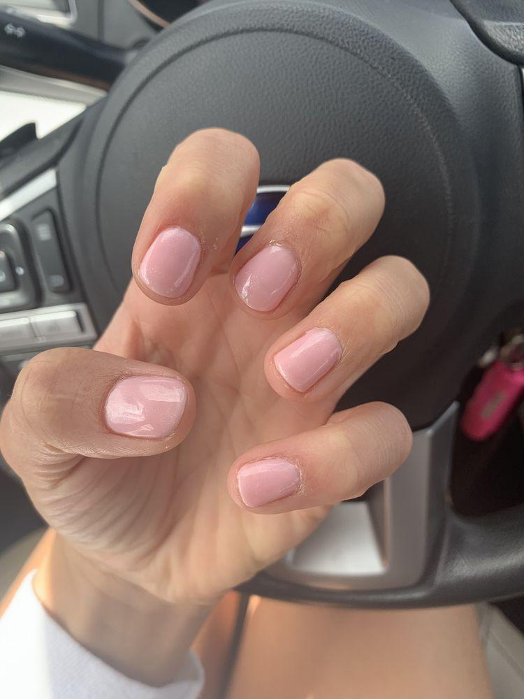 Lavish Nails: 640 8th St SE, Orange City, IA