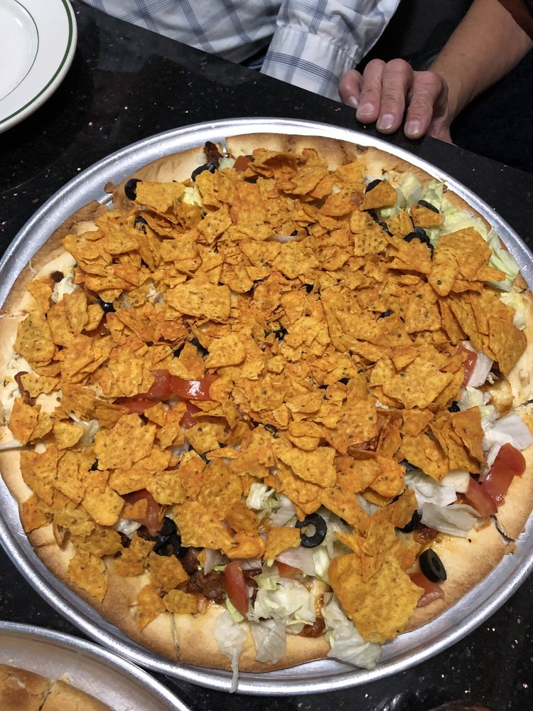Genoa Pizza: 110 S 5th St, Delavan, WI