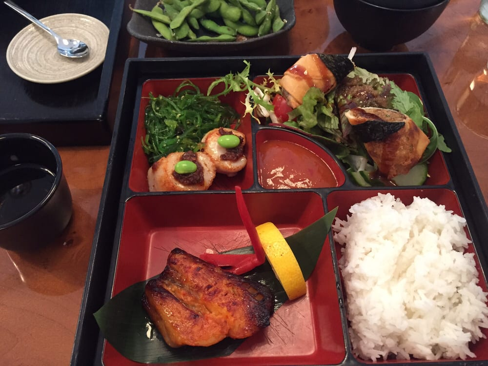 momo bento box for lunch yelp. Black Bedroom Furniture Sets. Home Design Ideas