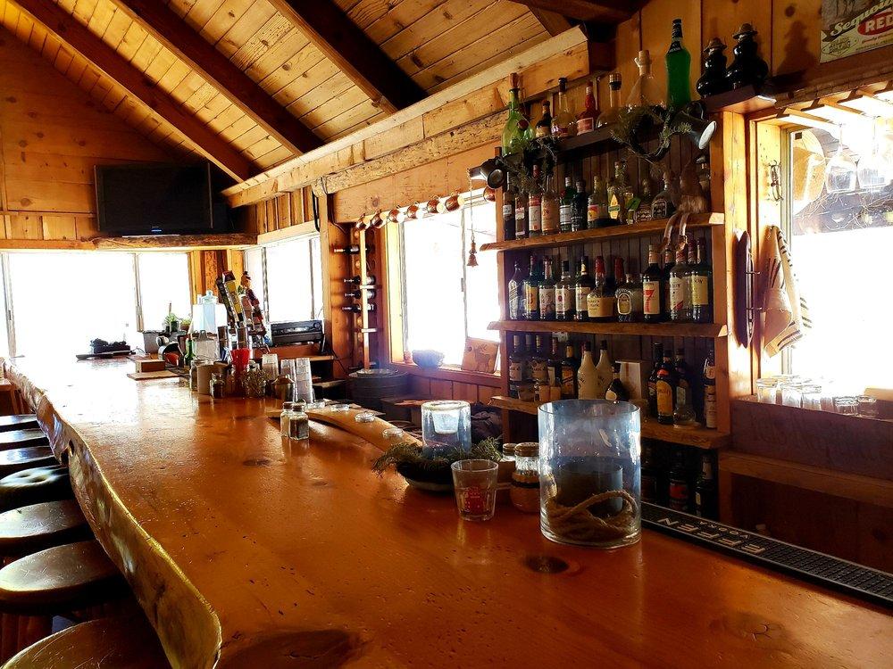 Ponderosa Lodge: 56692 Aspen Dr, Springville, CA