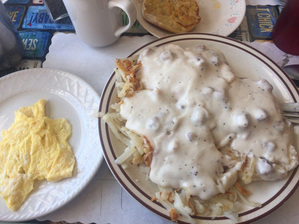 Classic Cafe: 627 E Park Ave, Anaconda, MT