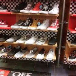 48f10de1d8dd4e Journeys Shoe Store - 11 Photos   12 Reviews - Shoe Stores - 2525 El ...