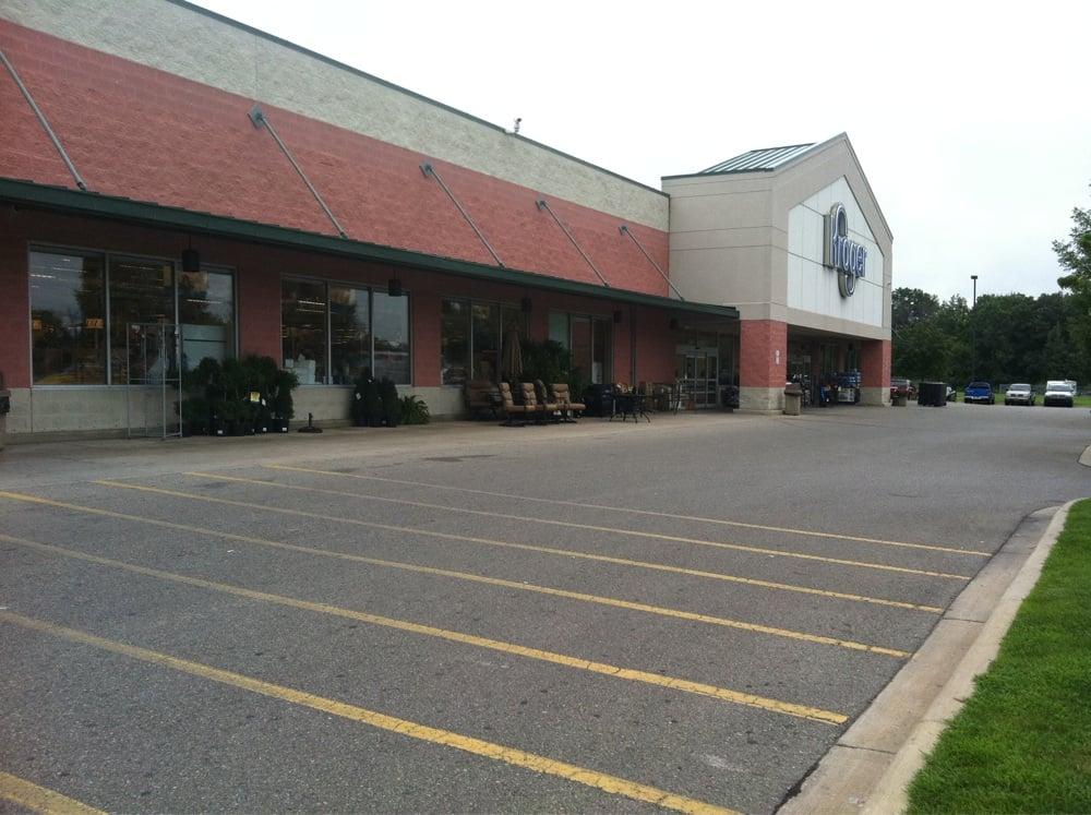 Kroger: 2600 Pointe Tremble Rd, Algonac, MI