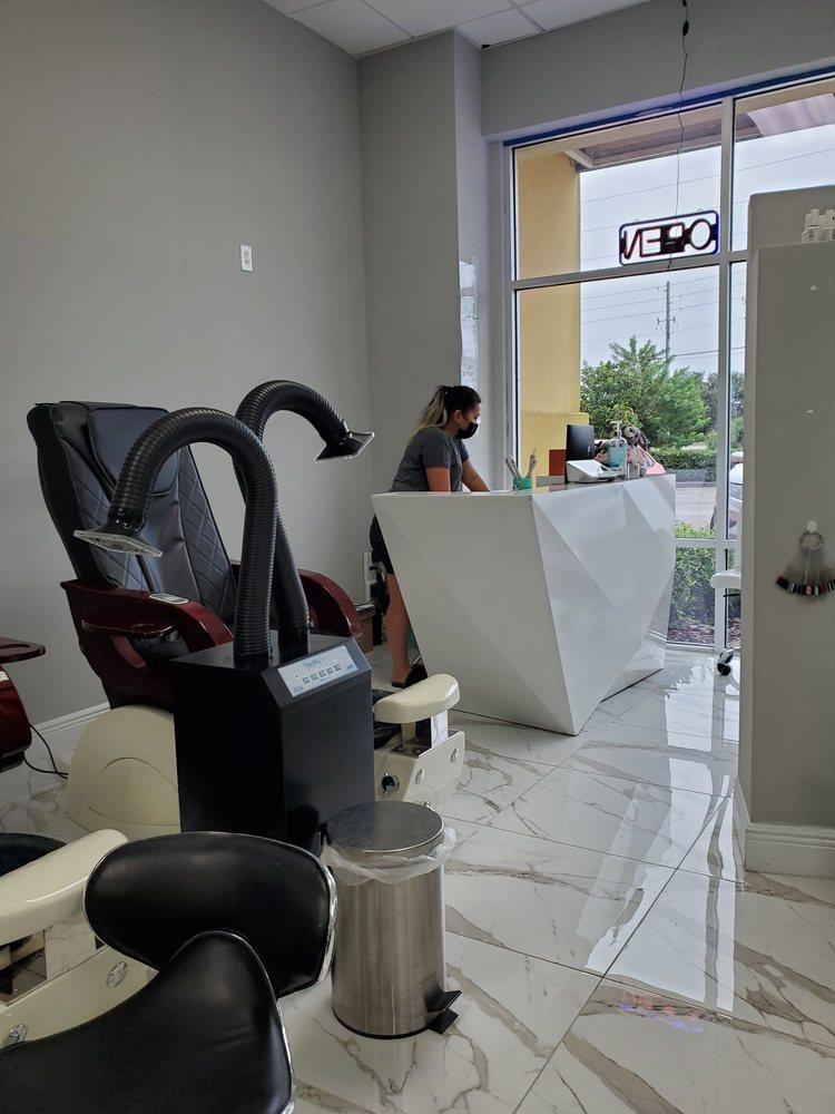 Bunniez Nail Bar Salon & Spa: 10249 S John Young Pkwy, Orlando, FL