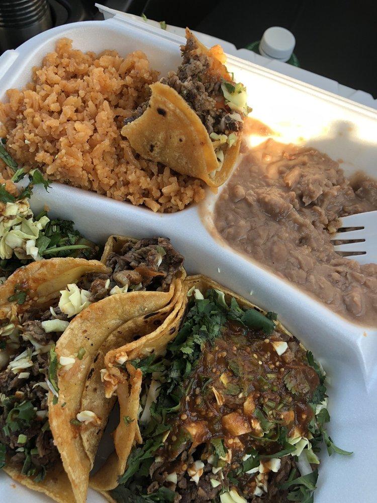 Tacos Y Mariscos Sergio Taqueria: 320 E Elm Ave, Coalinga, CA