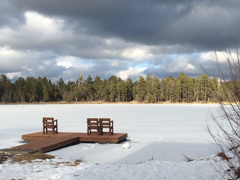 Lake of the Woods Resort: 2244 W White Mountain Blvd, Pinetop, AZ