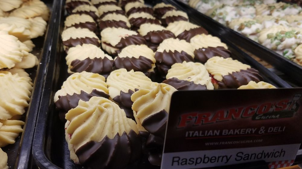 Franco's Cucina Italian Bakery & Deli: 1550 Bourbon Pkwy, Streamwood, IL
