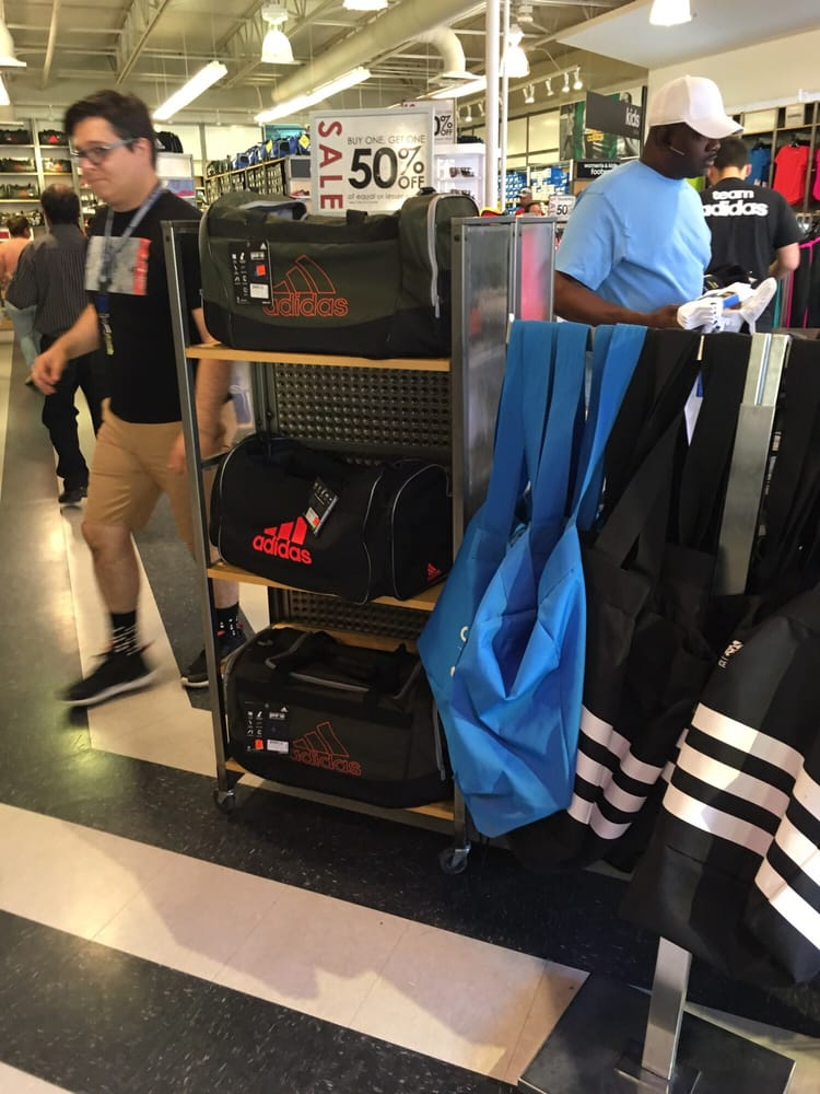 Adidas Retail: 7051 S Desert Blvd, Canutillo, TX
