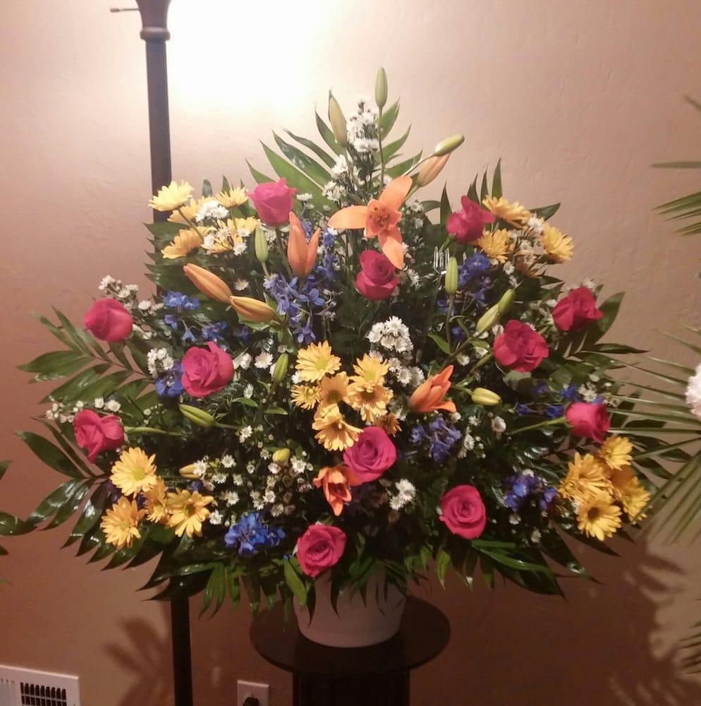 Hearts & Flowers Floral Design Studio: 4960 William Flynn Hwy, Allison Park, PA