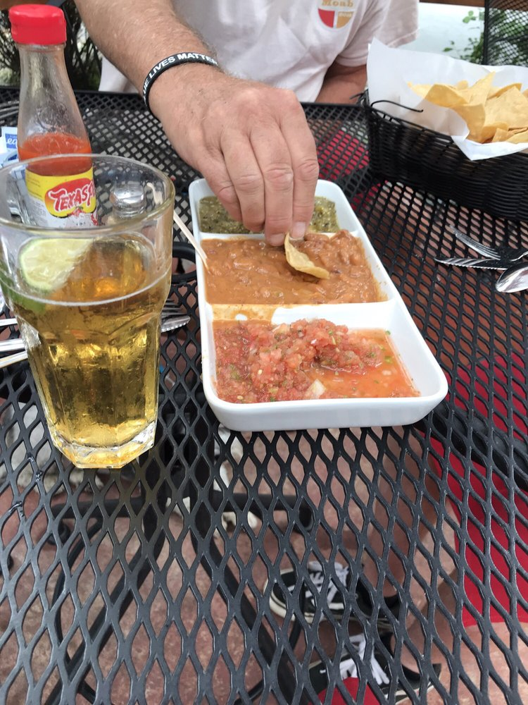 Coyote Bar & Grill: 8296 Hwy 89, Blairsden, CA