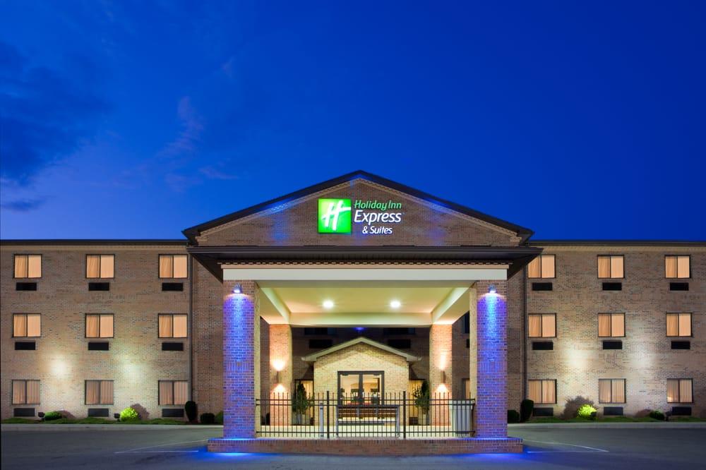 Holiday Inn Express & Suites Elkins: 50 Martin St, Elkins, WV