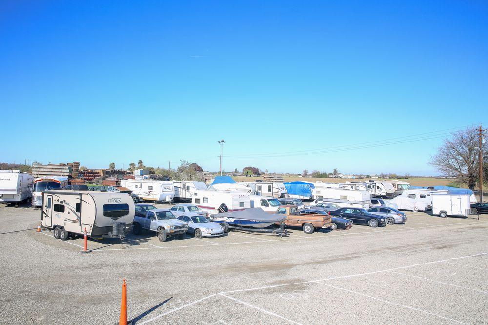 A West Side Self Storage: 701 N 1st St, Patterson, CA