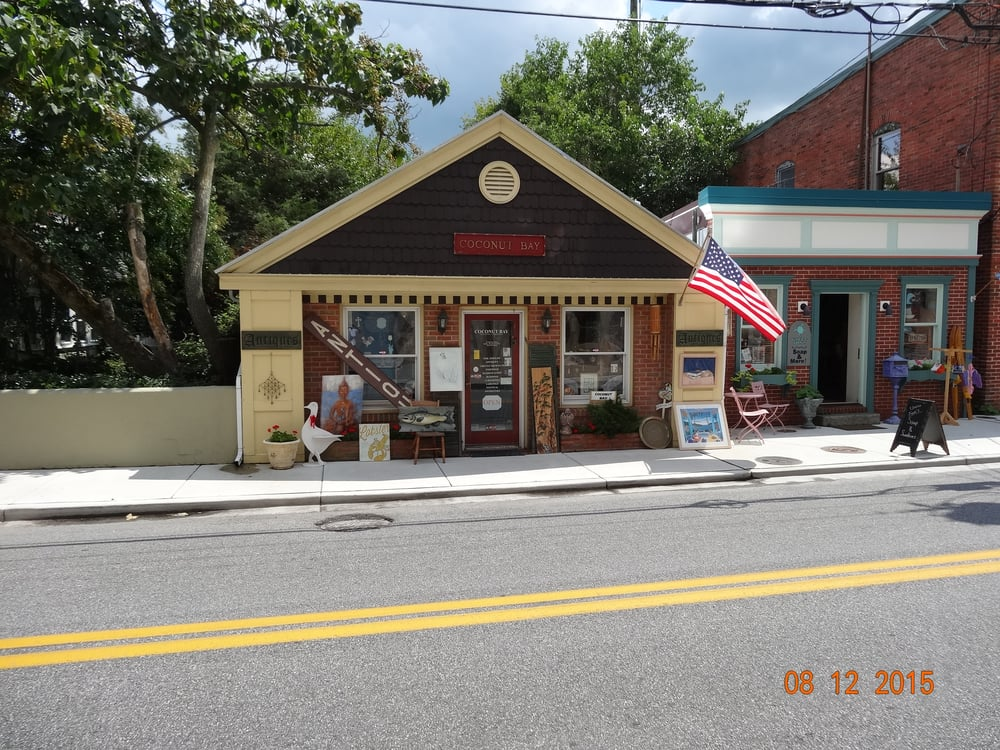 Coconut Bay Trading Company: 18 Williams St, Berlin, MD