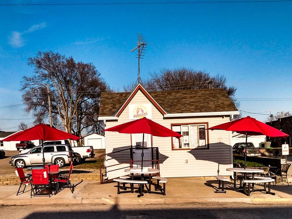 Castle Rock Burgers: 1012 Broadway Ave, Yankton, SD