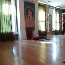 yoga p street dc