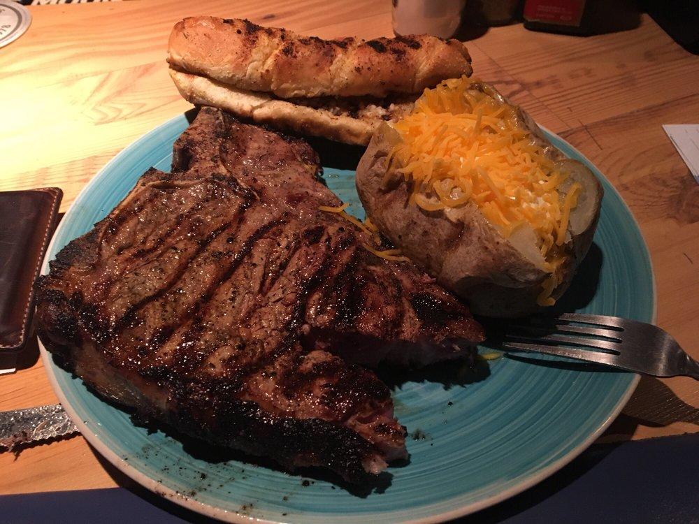 Tugs Restaurant: 6201 Bethel Island Rd, Bethel Island, CA