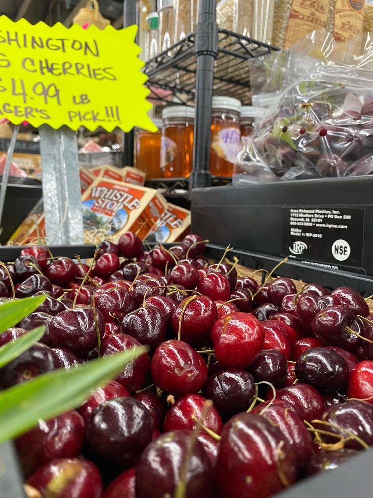 Paul's Fruit Market: 4946 Brownsboro Rd, Louisville, KY