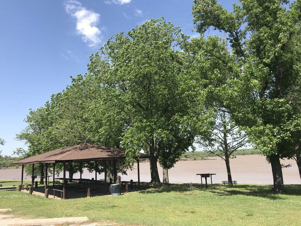 Heyburn Lake: Heyburn Lake Rd, Kellyville, OK