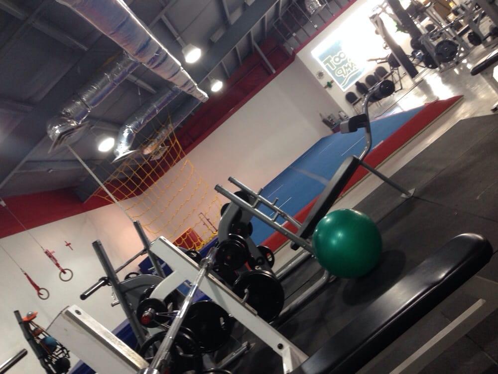 Frontier Fitness Club: 500 S Highway 80, Benson, AZ